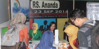 Ratusan Pencari Kerja Mendaftar di RS Ananda