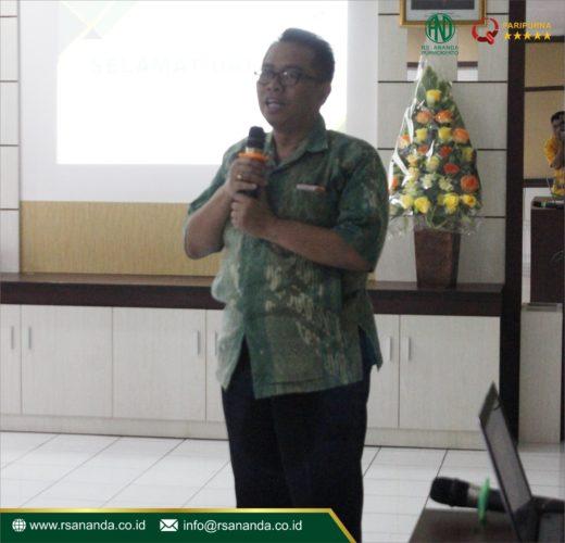 ROUND TABLE DISCUSSION Dr. dr. Pugud Samodro, SpPD-KEMD